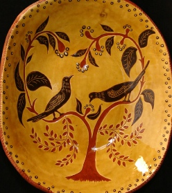 Black Birds with Leaves redware deep trencher, Kulina Folk Art