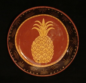 redware plate, pineapple with black border